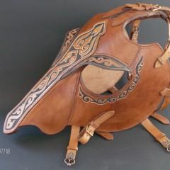 Ló fejvért ,alap típus,festett,faragott díszítéssel