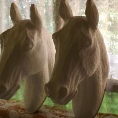 Életnagyságú próbafejek,lovas fejvérthez