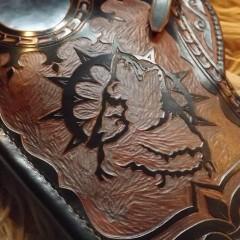 Faragott motívumokkal díszített Dupla oldalú vesszőtartó tegez