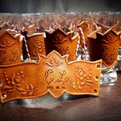 Egyedi, esküvői pohárdíszítések, domborított motívumokkal