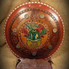 Aprólékosan kidolgozott, Családi címeres díszpajzs