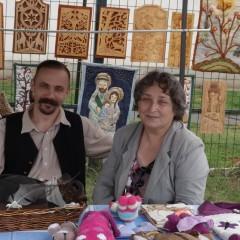 Nyírtasi Falunapon Feleségem Édesanyjával, és gyönyörű munkáival